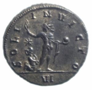 reverse: Impero Romano. Aureliano. 270-275 d.C. Antoniniano. AE. Siscia. D/ Busto radiato e corazzato a destra. R/ SOLI INVICTO. Il Sole stante a sinistra, alza il braccio destro e tiene un globo. Ai suoi piedi un prigioniero a sinistra . In esergo VI RIC - . Peso 3,00 gr. Diametro 21,00 mm. SPL+. RR.