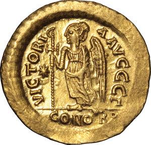 reverse: Justin I (518-527).. AV Solidus, Constantinople mint, 518-522