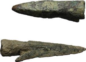 reverse: Lot of 2 bronze arrow-heads.  Greek, 550 - 250 BC.  28 mm, 24 mm