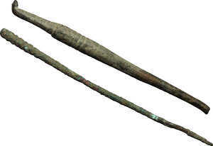 reverse: Lot of 2 bronze surgical instruments.  Roman period, 1st-3rd century AD.  90 mm, 83 mm