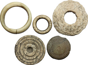 obverse: Lot of 5 bone gaming pieces.  Roman period, 1st-4th century AD.  From 32 mm to 17 mm