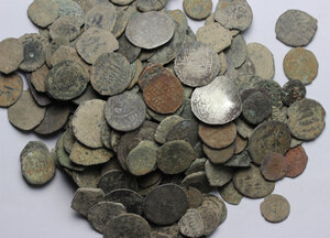 obverse: Lot with more that 100 islamic coins, to be classified