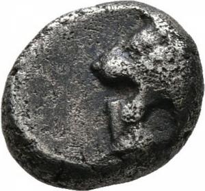 obverse: Ionia, Mileto (524-494 a.C.). AR Obol, 1/12 Stater (1,07gr. – 9mm.). D.\: protome di leone a sinistra. R.\: ornamento floreale a forma di stella in Quadratum incusum. SNG Kayhan 476-481. qBB/BB+. R1.
