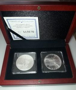 reverse: USA. Cofanetto con 02 monete da ONE DOLLAR del 1986 e 1992. AG. In Folder plastificato rigido. FDC. Molto affascinanti!