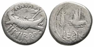 obverse: Marco Antonio (32-31 a.C.). AR Denarius (17 mm. - 3,10 gr.). R.\: LEG X. MB. R1.