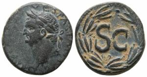 obverse: Vespasiano (69-79), Seleucis e Pieria, Antiochia. AE Bronzo (21mm. - 7.91gr.). D.\: testa laureata di Vespasiano a sinistra. R.\: S.C. dentro corona d'alloro. Esemplare molto interessante per conio e per patina. RIC II 796; RPC II 1984. qSPL. NC.