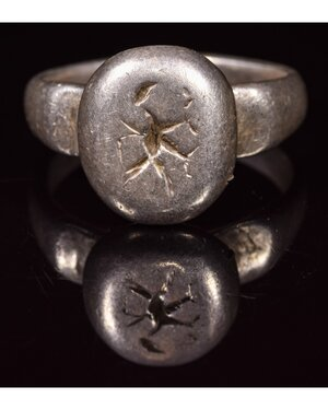 obverse: VIKING PERIOD SILVER RING WITH FLYING BIRD