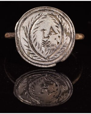 obverse: MEDIEVAL PERIOD SILVER RING WITH PERSONAL INITIALS