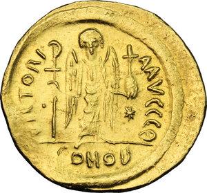 reverse: Justinian I (527-565).. AV Solidus, Constantinople mint, c. 545-565 AD