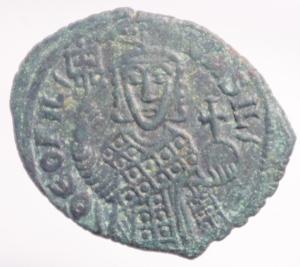 obverse: Impero Bizantino. Teofilo. 829-842 d.C. AE. Follis. D/ Busto frontale QEOFIL BASIL. R/ Croce QEO/FILEAUG/USTEN,NICAS su quattro righe. Peso 8,44 gr. Diametro 28,80 mm. BB+.Patina Verde