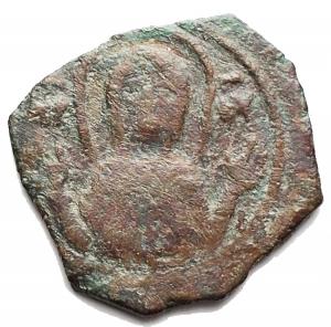 obverse: Zecche Italiane - Bari. Ruggero II (1105-1154) Follaro. D/ La Vergine orante. R/ Legenda cufica a croce. AE. g 0,98. MB+.RR.