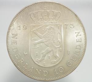 obverse: Monete Estere. Olanda. Giuliana Regina. 10 Gulden 1973. Ag. FDC.