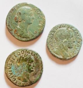 obverse: Lotti - Mondo Romano. Domiziano, Favstina, Alessandro Severo. Lotto di tre medi bronzi. Patine