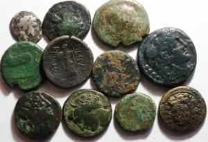 obverse: Lotti.Mondo Greco.Lotto di 11 monete in ae e un diobolo.Mediamente MB\qBB