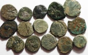 obverse: Lotti.Impero Romano e barbari.Lotto di 15 monete da Onorio ai Vandali, interessante per gli appassionati del periodo.Mediamente BB per la tipologia.