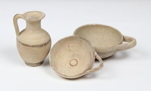 obverse: Lot of 3 Greek vessels: 1 lekythos and 2 cups.  4th century BC.  12 cm, 13 cm, 11 cm