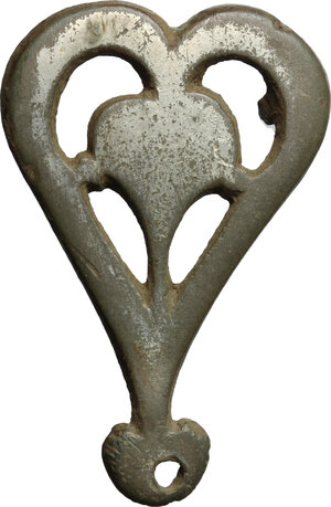 obverse: Bronze heart-shaped belt ring buckle.  Roman period, 1st-5th century.  45 mm