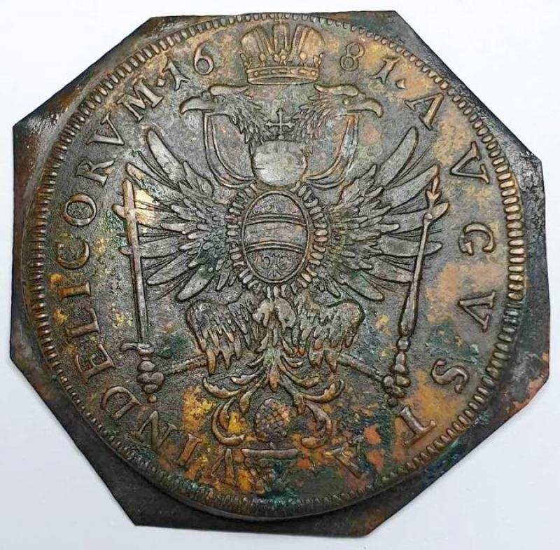 reverse: AUGSBURG (AUGUSTA), STADT, probabile prova di conio del doppio tallero del 1681  Uiface 2 pezzi in fusione rame - stagno.  12,61 gr - 46 mm circa.Vedere Dav.5044