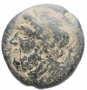 obverse: Mondo Greco - Apulia Arpi (III sec. a.C.) Obolo.D/ Testa di Zeus a sinistra.R/ Cinghiale a destra, sopra punta di freccia. AE.Gr. 6.01.SNG ANS 635.BBBella patina verde