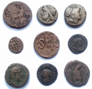 obverse: Lotti - Lot comprising 9 coins, including As Avgvstus, Caligula, Tiberius, Commodus
