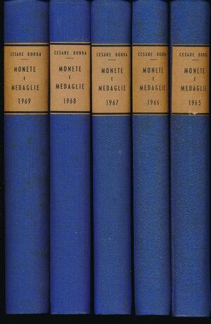 obverse: BOBBA C. - 1965-1966-1967-1968-1969. Monete e medaglie. Mensile di Numismatica rilegato per anni. 5 volumi. Asti, numerose tavole in b/n. Rilegature rigide con dorso e angoli blu e piatti verdi. Buono stato.