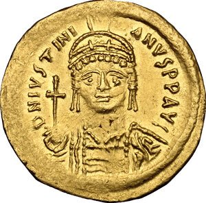 obverse: Justinian I (527-565).. AV Solidus, Constantinople mint