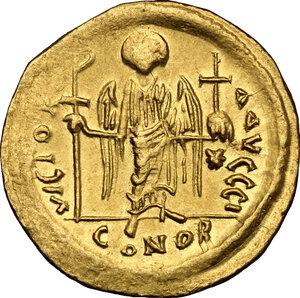 reverse: Justinian I (527-565).. AV Solidus, Constantinople mint