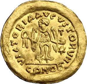 reverse: Justinian I (527-565).. AV Tremissis, Ravenna mint