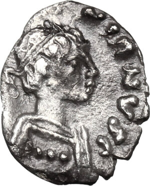 obverse: Justinian I (527-565).. AR 125 Nummi, light group, Ravenna mint