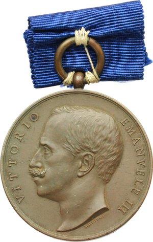obverse: Vittorio Emanuele III (1900-1943).. Medaglia di benemerenza per il terremoto Calabro-Siculo. Istituita il 6 Maggio 1909