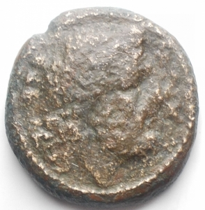 obverse: Apulia Luceria (Circa 211-200 a.C.) AE Teruncius. D/ Testa di Poseidone a destra. R/ Delfino a destra, sopra tridente. AE, 7,66 gr. HN Italy 680. R.