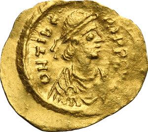 obverse: Maurice Tiberius (582-602).. AV Tremissis, Constantinople mint