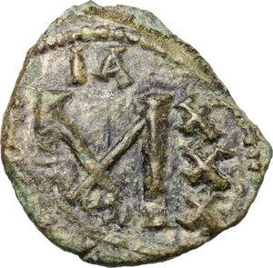 reverse: Constantine IV (668-685).. AE Follis, Ravenna mint
