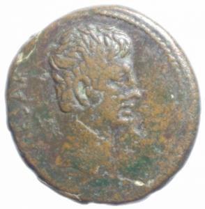 obverse: Impero Romano.Augusto (27 a.C - 14 d.C). AE, ca 25 a.C. zecca incerta in Asia (Pergamo o Efeso). D/ CAESAR. Testa nuda a destra. R/ AVGVSTVS in corona di alloro. RPC 2235. RIC 486. AE. g. 11.35 mm. 28.00 BB+.