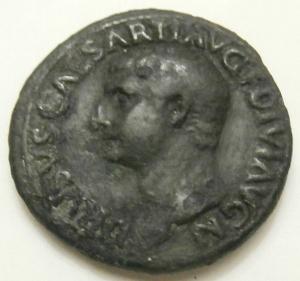 obverse: Impero Romano. Druso, figlio di Tiberio, deceduto nel 23 d.C. Asse, restituito da Tito. AE. D/ DRVSVS CAESAR TI AVG F DIVI AVG N. Testa nuda a sinistra. R/ PONTIF TRIBVN POTEST ITER intorno a grande SC. RIC45. Peso 10,76 gr.Diametro 28,00 mm. BB. Patina.R...