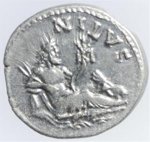reverse: Impero Romano. Adriano. 117-138 d.C.Denario. Ag. D/ HADRIANVS AVG COS III P P. Testa laureata a destra. R/ NILVS. Il Nilo sdraiato a destra, ai suoi piedi un ippopotamo e in acqua un coccodrillo. RIC 310. Peso gr. 3,49. Diametro mm. 18,50.SPL+. RR....