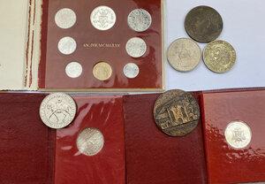 obverse: Lotto vario composto da Serie Vaticana Anno del Giubileo 1975, due monete da 500 lire della Sede Vacante 1978,5 Shillings 1953 e da 4 medaglie