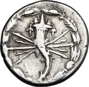 reverse: Q. Fabius Maximus.. AR Denarius, 127 BC