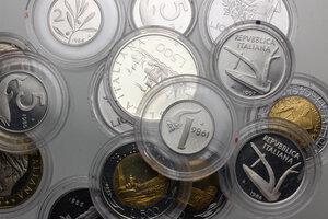 obverse: Lotto di 23 monete della Repubblica italiana. Notate 500 lire Caravelle 1997, 2 lire e Lira 1997