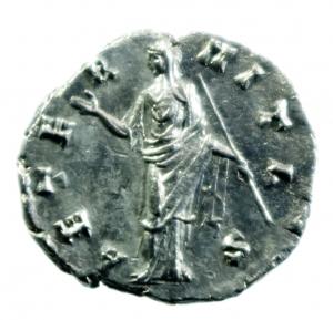 reverse: Impero Romano. Faustina I. Morta nel 141 d.C. Denario .D/ DIVA FAVSTINA Busto verso destra. R\ AVGVSTA Ceres velata a sinistra con torcia. RSC-108b. Peso 3,60 gr. Diametro 17 mm. BB+.