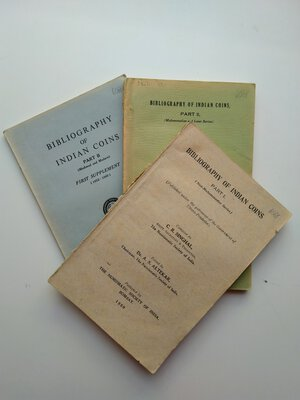 obverse: Lot of 3: C. R. Singhal and P. L. Gupta. Bibliography of Indian Coins, Part I. 163 pages. Bombay 1950, Part II. 220 pages. Bombay 1952, Supplement to Part II. 75 pages. Bombay 1960