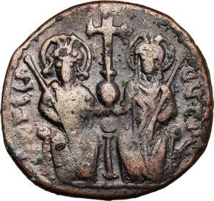 obverse: Justin II (565-578).. AE Follis, Theoupolis (Antioch) mint