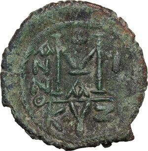 reverse: Maurice Tiberius (582-602).. AE Follis, Cyzicus mint