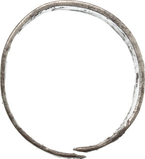 reverse: Silver ring engraved with geometric patterns.   Vikings, 8th-11th century.  Size 19 mm