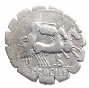 reverse: Repubblica Romana. Gens Procilia. Lucius Procilius. 80 a.C. Denario. D/ S.C. (Senatus Consulto). Testa di Giunone Sospita a destra. R/ L.PROCILI F. (Lucius Procilius, filius), Giunone Sospita su biga verso dx. regge lancia e scudo, ai piedi dei cavalli un dragone. Peso 3,61 gr. Diametro 18 mm. Cr. 379/2. qBB.