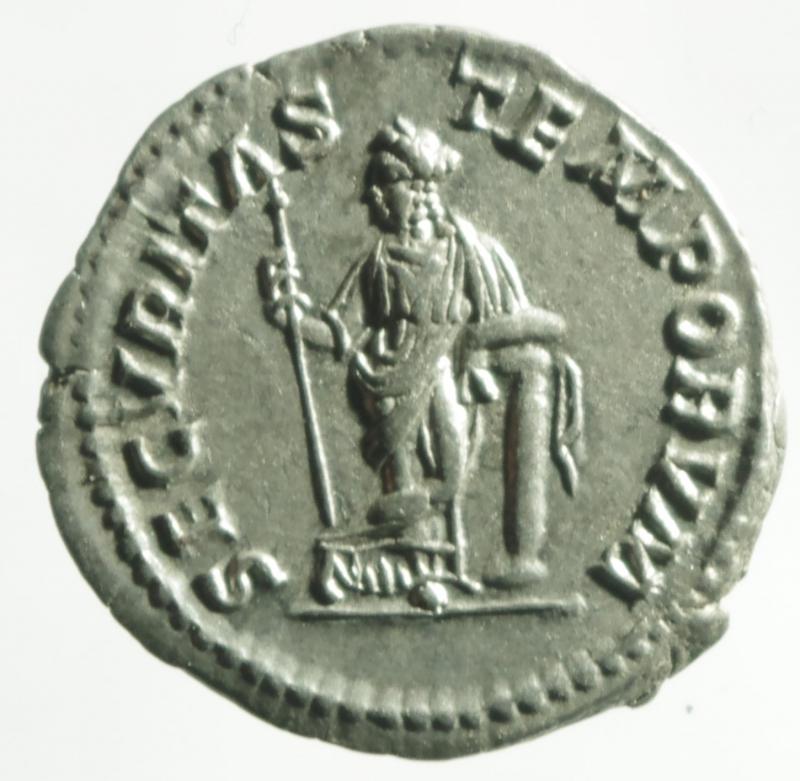 reverse: macrino denario