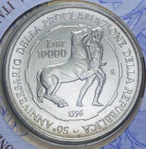 reverse: 10000 LIRE 1996 PROCLAMAZIONE DELLA REPUBBLICA AG. 22 GR. IN FOLDER FDC