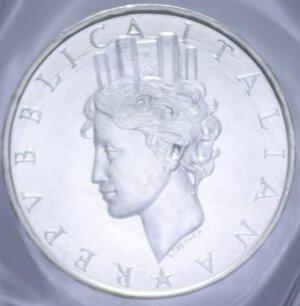 obverse: 500 LIRE 1988 COSTITUZIONE AG. 11 GR. IN FOLDER FDC