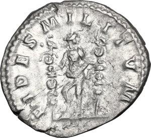 reverse: Macrinus (217-218).. AR Denarius
