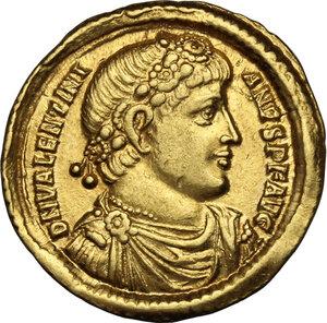 obverse: Valentinian I (364-375).. AV Solidus, Antioch mint, 365 AD